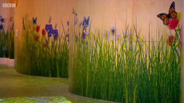 grass-floor-hallway-2